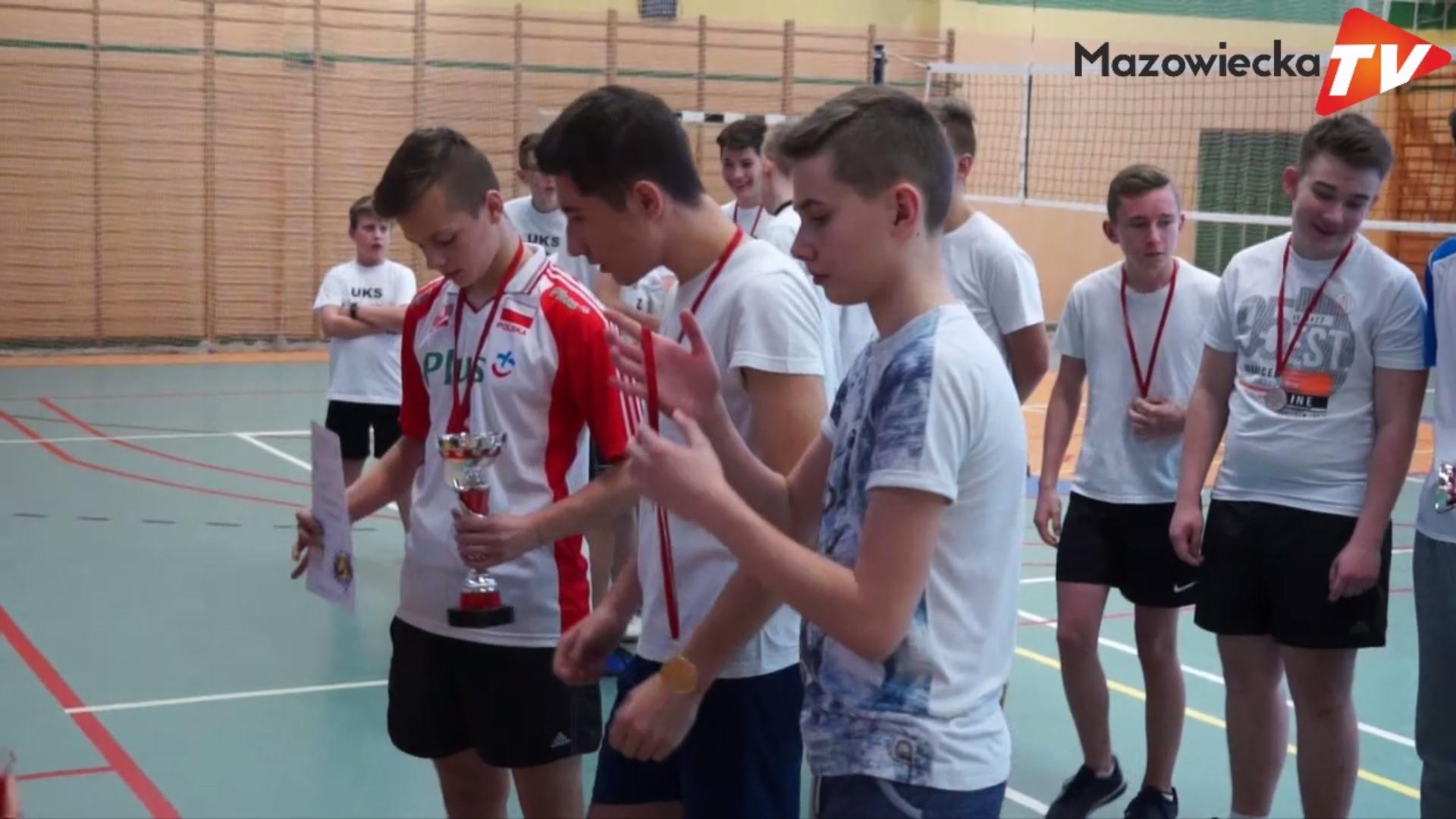 Mikołajkowy Turniej Trójek Siatkarskich w Grójcu