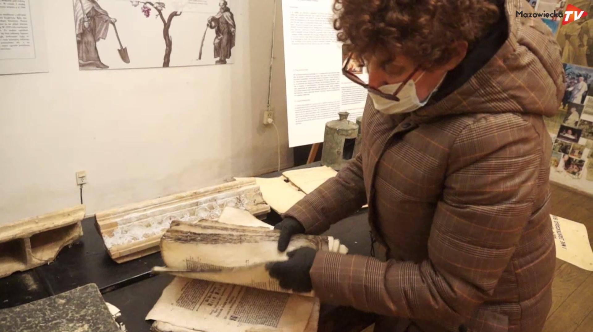 Sensacyjne odkrycia Grupy Historycznej na strychu starej plebanii w Lipiu