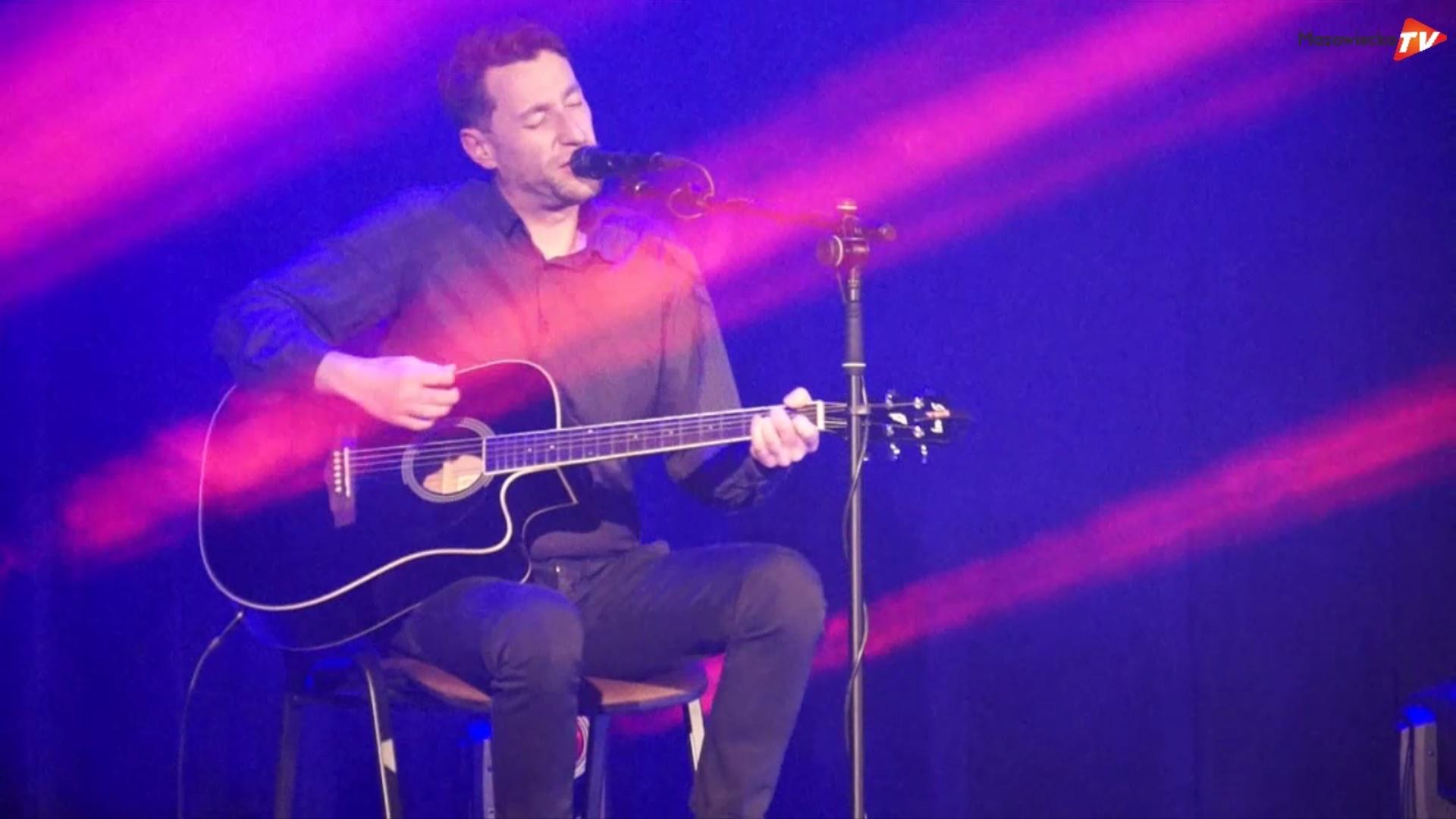 BIBA dał akustyczny koncert dla Dominika
